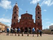 Peregrinos que percorreram o Caminho das Missões em até 325 km terminam sua jornada em frente à Catedral Angelopolitana.<br /><![endif]>